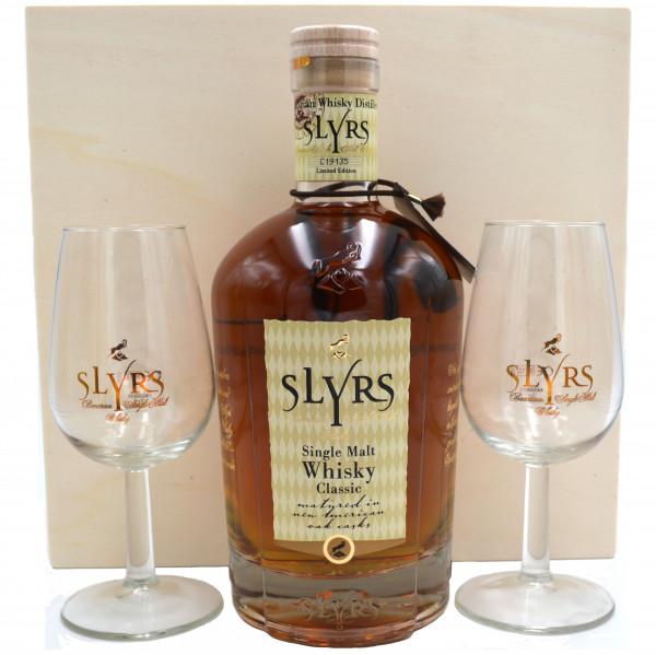 Slyrs Kerpalt by Destillerie Lantenhammer in wooden box with 2 glasses