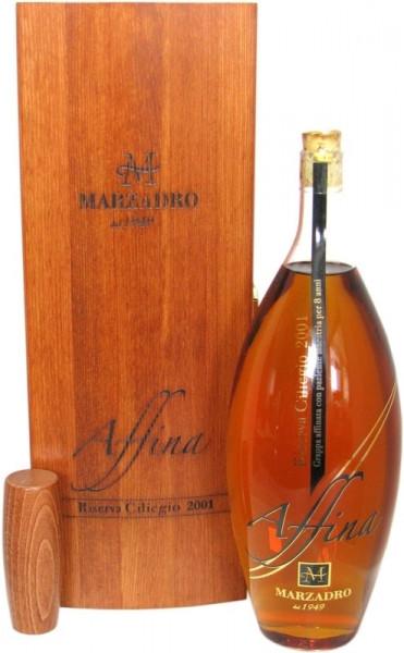 Marzadro Grappa Affina Riserva Ciliegio Jahrgang 2001 mit exklusiver Holzkiste
