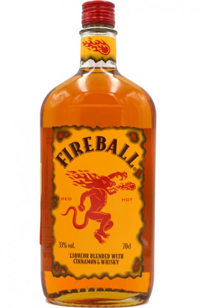 Fireball Likör mit Whisky und Zimt
