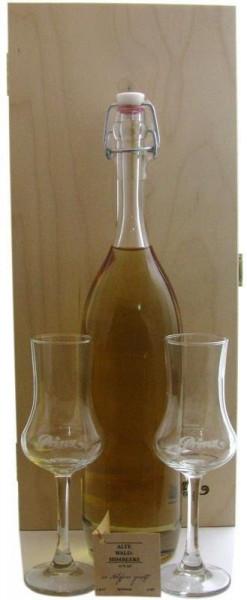 Prinz Gold aus Österreich Nr.1: Holzkiste mit 1 Flasche Alte Waldhimbeere 0,5l mit 41% vol., im Holz