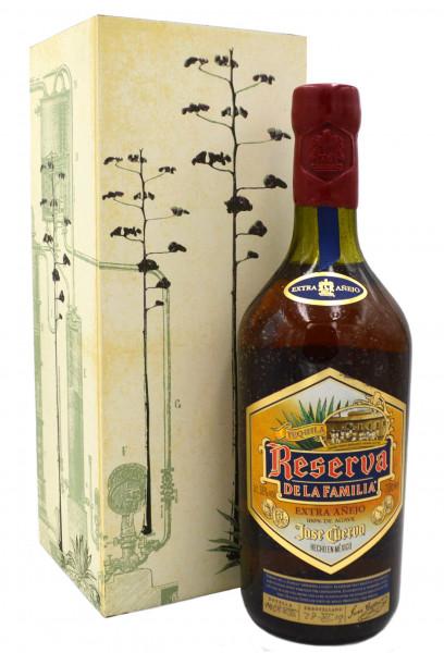 Tequila Jose Cuervo Reserva De La Familia 0,7l Collection 2013 incl. Holzkiste